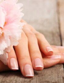 Oli essenziali per le unghie