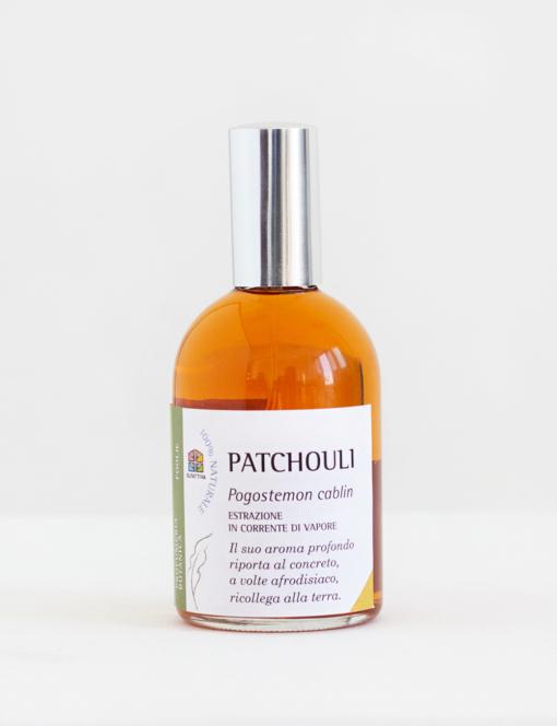 Un profumo naturale realizzato con vero olio essenziale di patchouli