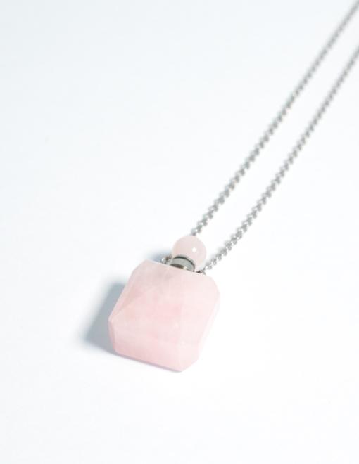Collana con ciondolo per aromaterapia in Quarzo rosa